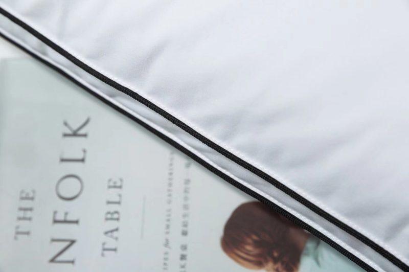 酒店系列枕芯 全棉40支新疆棉面料,立体黑边设计