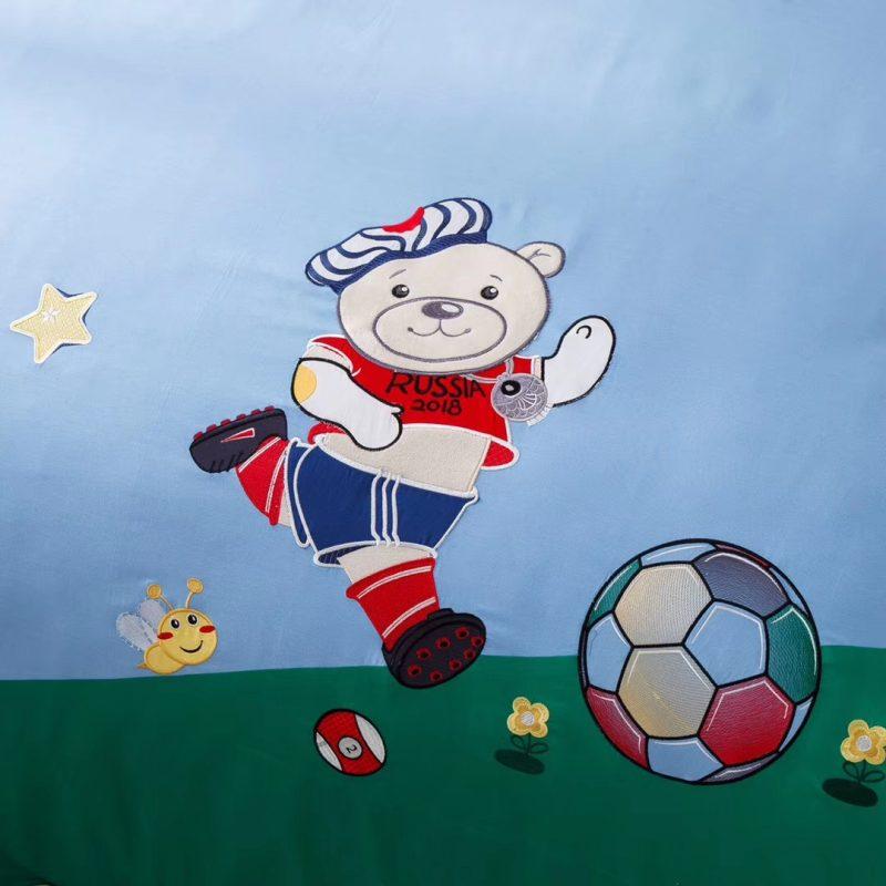 儿童款高品质纯棉面料贡缎绣花三件四件套足球小子