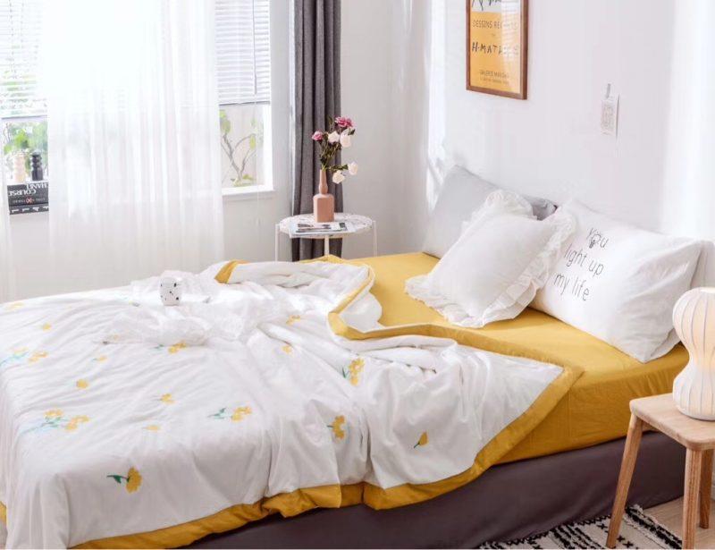 新款夏被-雏菊 整张羽丝棉填充 白色黄边