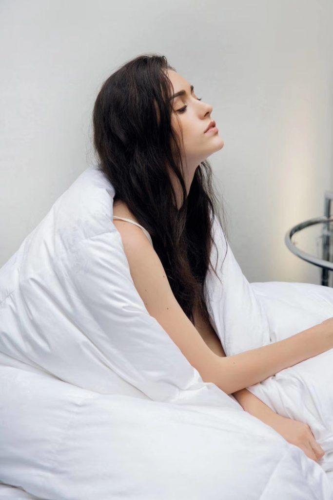 【丽本】迪娜雅二代大朵100%白鹅绒被  28~32°恒温睡眠